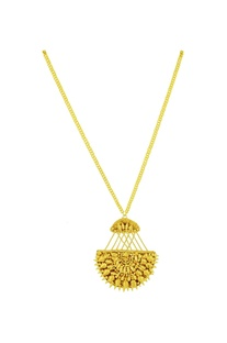 Gold chain necklace with spiked pendant