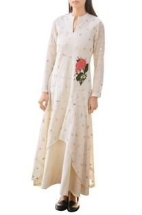 Off-white khadi dress double with mirror and floral applique details