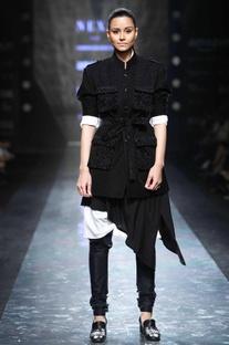 Black silk blend churidar