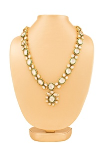 Gold plated kundan necklace with pendant