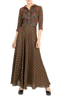 Brown motif print maxi dress