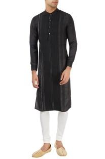 Black kurta with pleated pattern