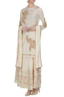 Off-white cotton embellished short kurta with beige chanderi embellished skirt & dupatta