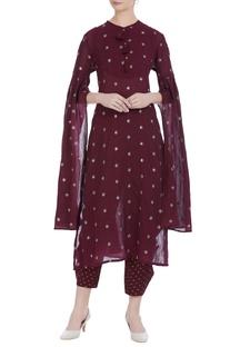 Star booti motif cape sleeve kurta set