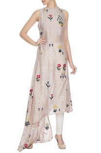 Champagne rose embroidered sleeveless chanderi kurta