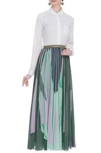 Pleated style maxi skirt