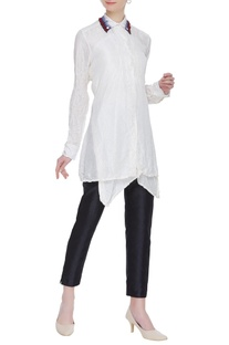 Long collar shirt with exaggerated collar