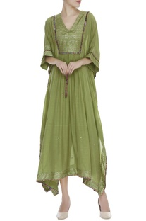 Embroidered asymmetric kurta with pants