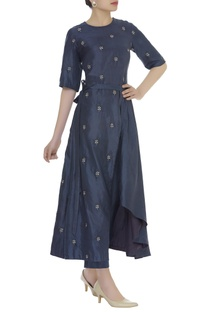 Embroidered asymmetric kurta set