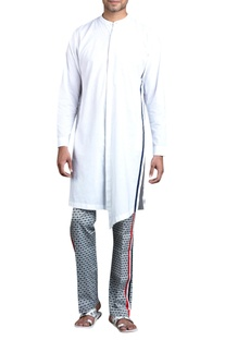 Asymmetric kurta with stripe detail