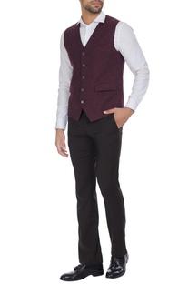 Cotton waistcoat with uneven hemline.