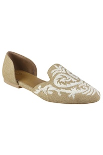 D'orsay flats in floral embroidery
