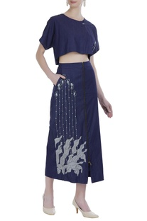 Blue denim embroidered skirt