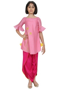 Floral motif embroidered kurta with dhoti pants