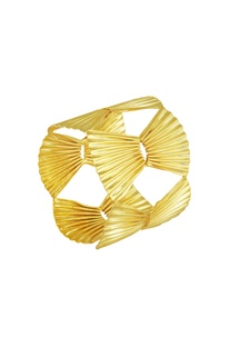 Disc shaped adjustable cuff bangle