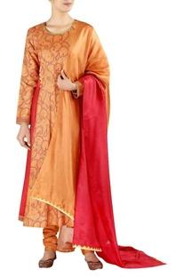 Full sleeves kurta with pants and dupatta