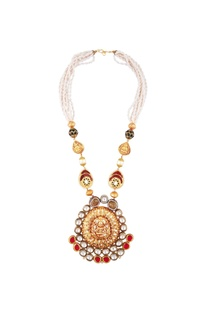 Kundan temple pendant necklace with pearls