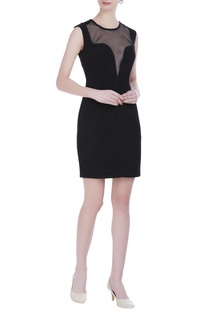 Sleeveless fitted mini black dress