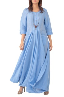 Flared maxi dress with utility pockets