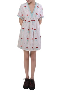 Embroidered short midi dress
