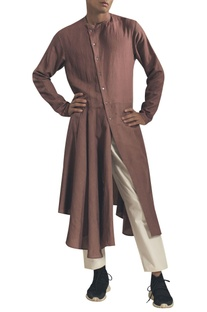 Asymmetric hemline kurta with side button placket