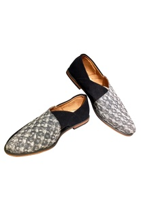 Texture fabric based shoes