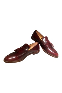 Handcrafted pure leather tassel detail loafers