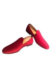 Velvet minimal loafers