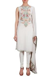 Flared sleeve tunic with churidar