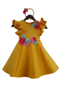Ruffle sleeves dress with flower motif embroidery