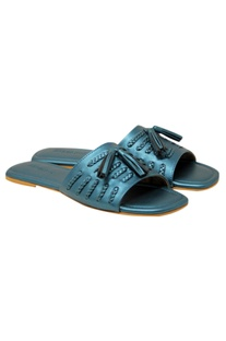 Matte finish leatherette flat sandals