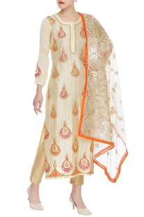Chand bali embroidered kurta with dupatta