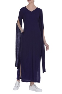 Maxi dress with long slit sleeves