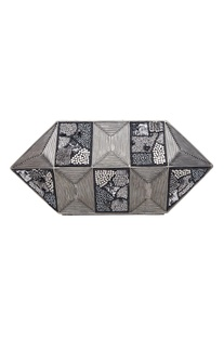 Geometric shape statement clutch