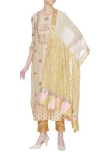 Resham embroidered kurta with dupatta