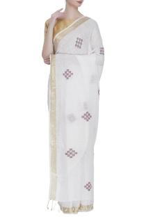 Jamdani sari with geometric motifs & unstitched blouse fabric