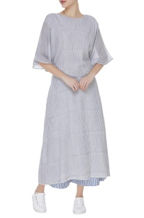 Wrap style kurta with culottes