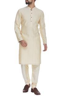 Textured silk kurta & churidar