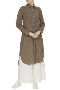 Khadi tunic with button placket