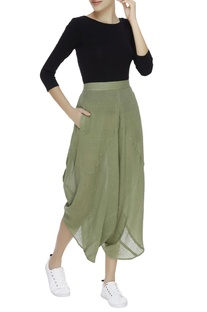 Crinkled draped cropped pants