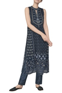 Sleeveless ranthambore inspired printed tunic