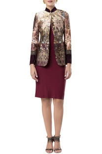 Printed blazer with sleeve detail