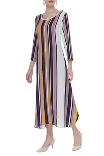 Stripe pattern maxi dress with embellished neck