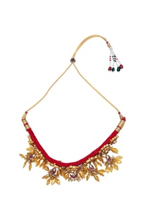 Traditional choker necklace with embellishments