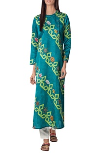 Printed kurta with side button placket