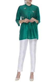Pintuck embroidered short kurta