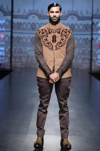 Cotton shirt with suede jacket