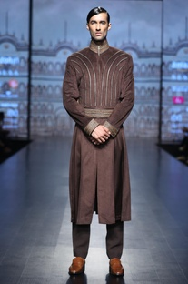 Pleated sherwani