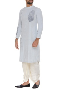 Embroidered kurta with slits