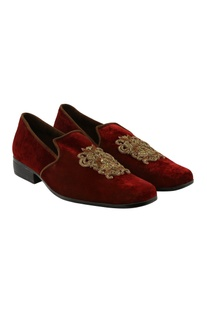 Velvet zari embroidered loafers